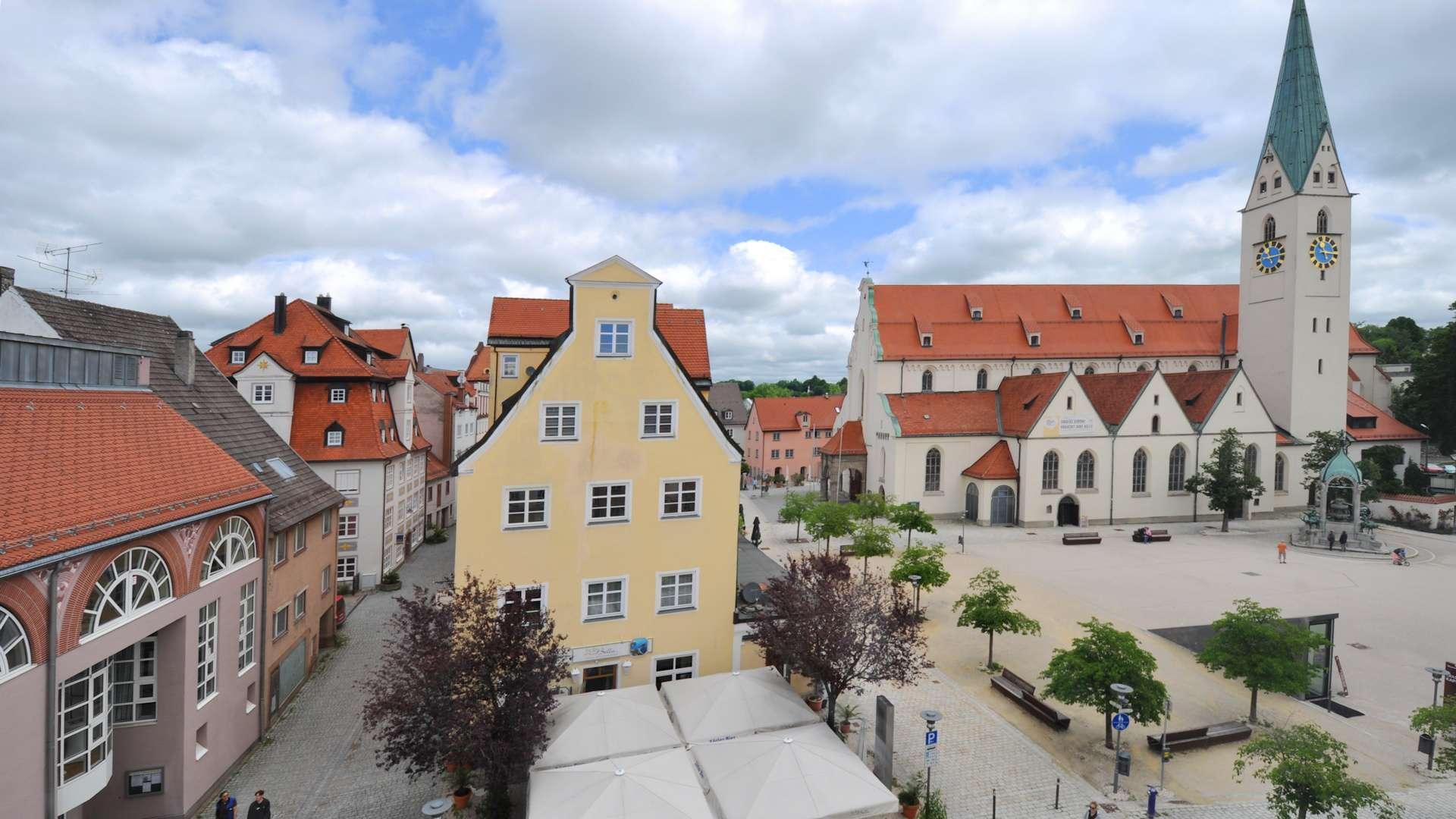 Wunderschöne, renovierte 3-Zimmer-DG-Wohnung im Herzen von Kempten, 1A Lage in Kempten (Allgäu)-Innenstadt