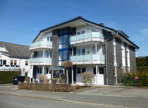 Helle, freundliche Wohnung mit schönem Balkon in ruhiger Anliegerstraße