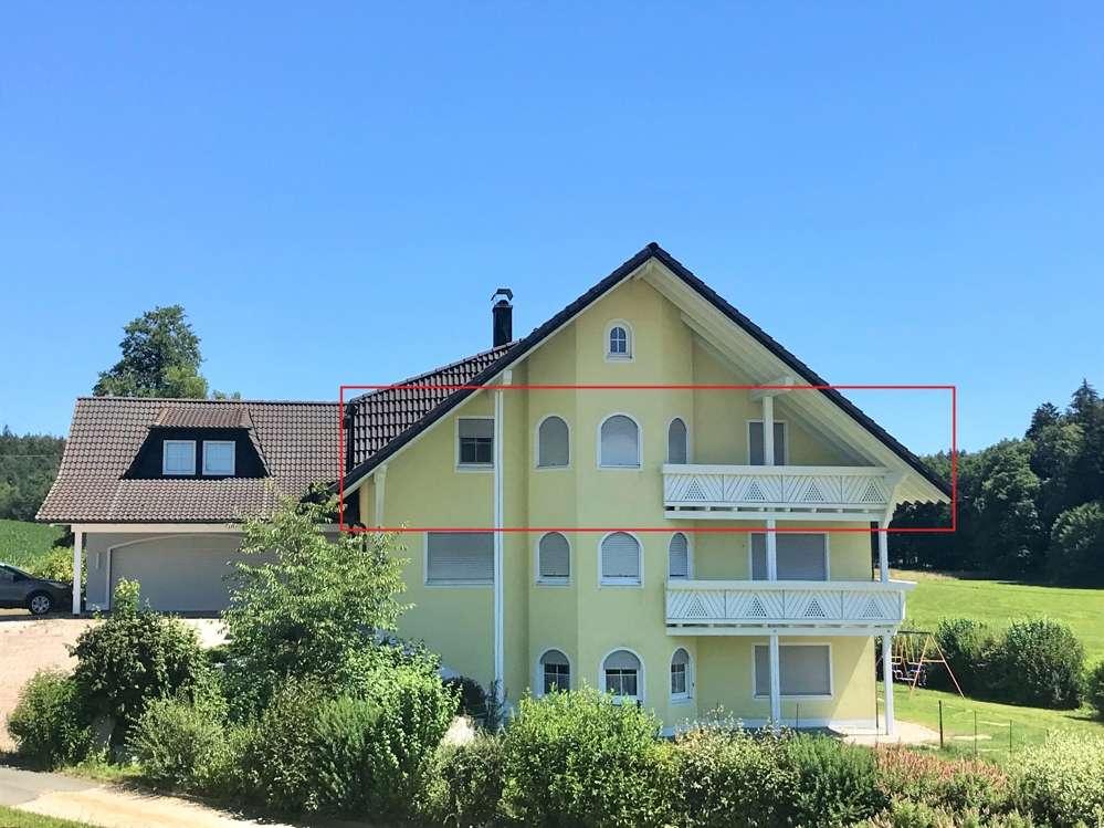 Gepflegte 4 Zimmer- Dachgeschosswohnung mit ca. 158 m² in ruhiger Lage in Pegnitz (Bayreuth)