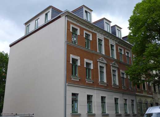 *ERSTBEZUG - 2-R-Whg., Parkett, Fußbodenheizung, Stuck, Balkon, Tageslichtwannenbad mit Dusche etc.*
