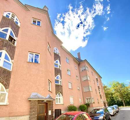 Rechts der Wertach - Modernisierte 2-Zimmer Wohnung in zentraler Lage in Augsburg-Innenstadt