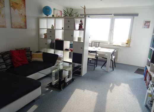 Zentrale Zwei-Zimmer-Wohnung mit Balkon
