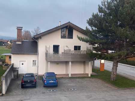 Neuwertige 3-Raum-Wohnung mit Balkon in Piding in Piding