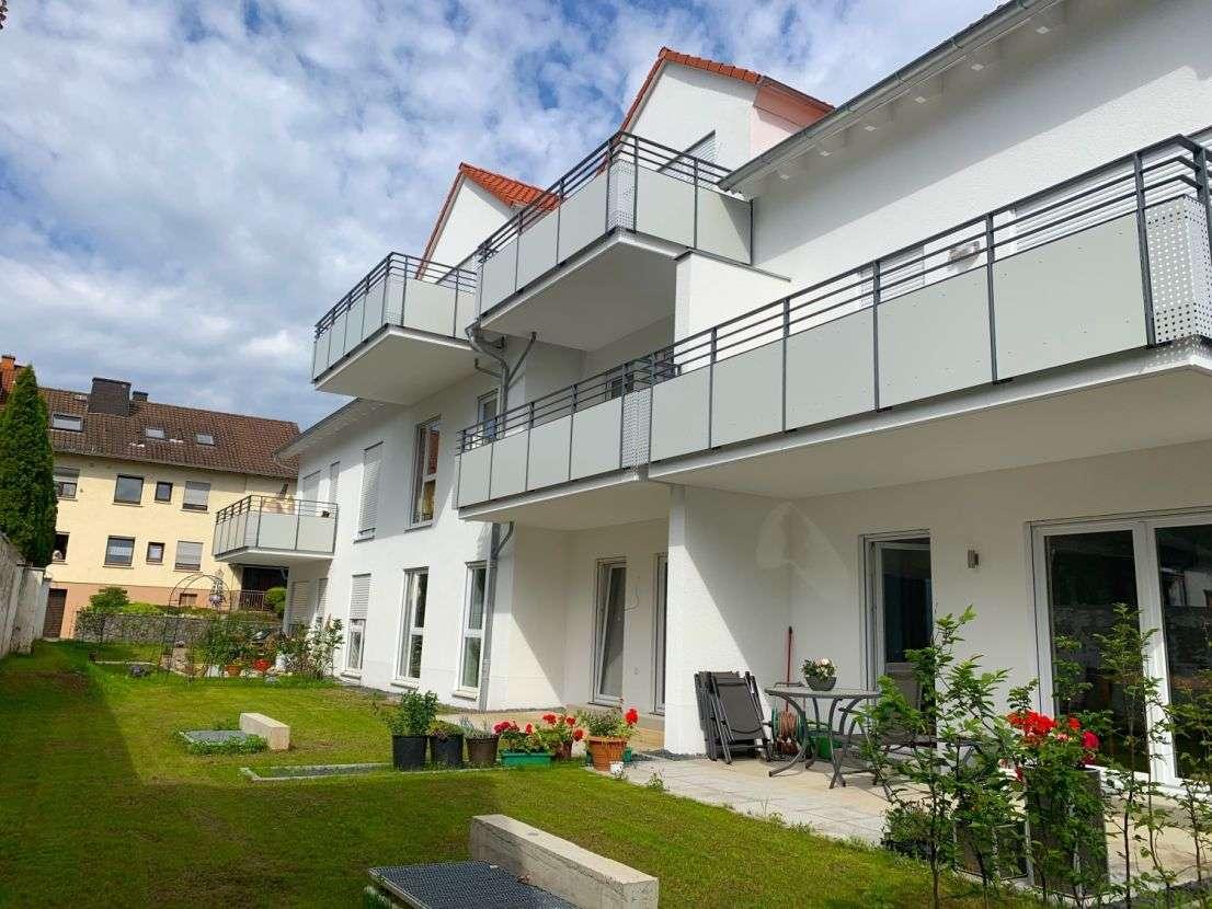 Erstbezug: Hochwertige 3-Zimmer-Wohnung mit Balkon und 2 Tiefgaragen-Stellplätzen in Aschaffenburg in Schweinheim (Aschaffenburg)