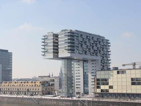 Rheinauhafen Kranhaus Nord Helle Moblierte 2 Zimmer Wohnung Mit