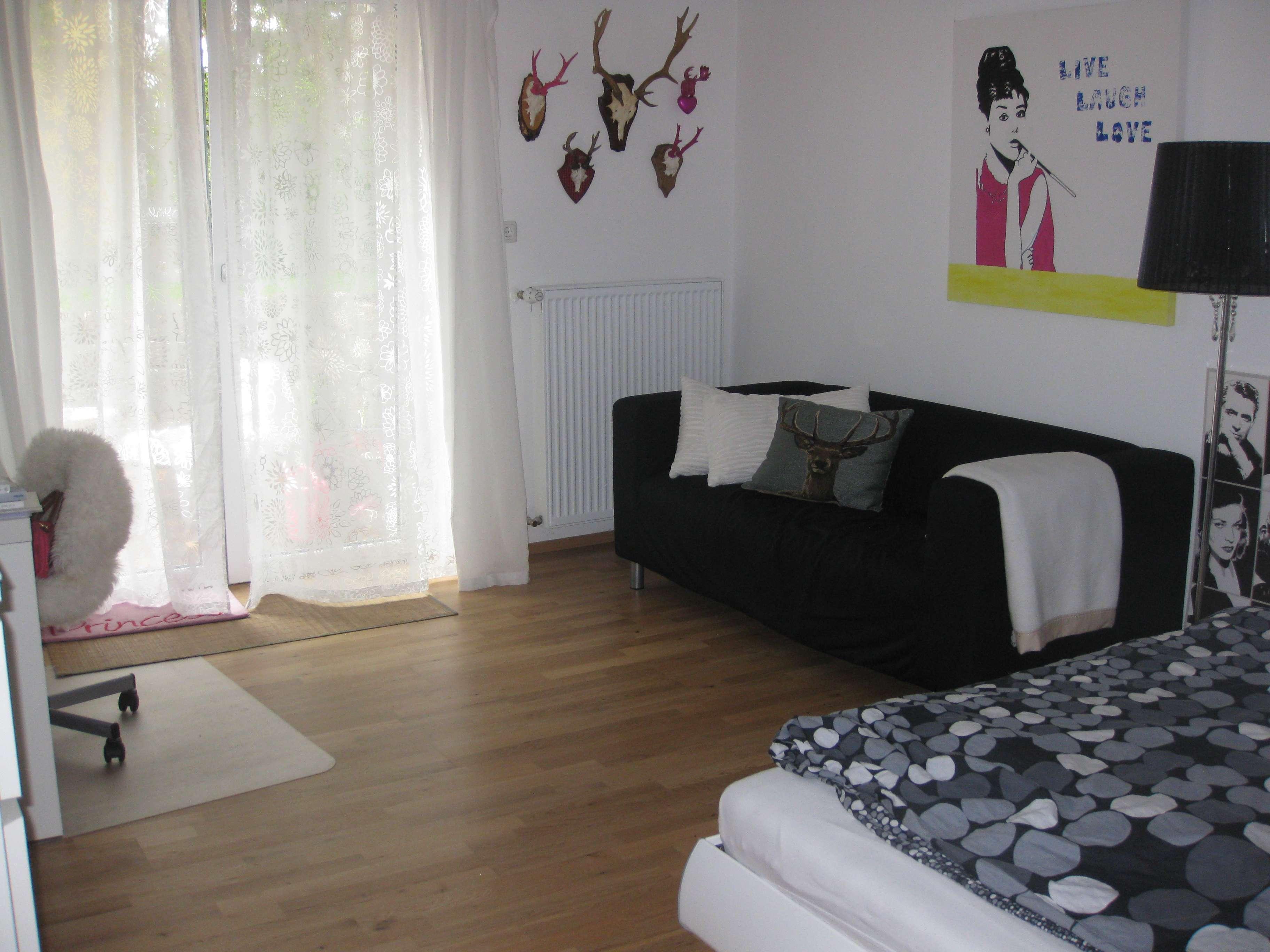 Freundliche  2 Zimmer Wohnung mit Terrasse u. Gartenanteil im Frauenland in Frauenland (Würzburg)