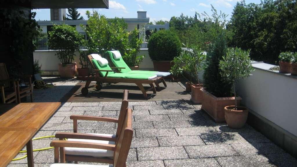 Traumhafte Dachterrassen-Penthouse Wohnung – Exklusivität und Sonne pur, provisionsfrei in Obermenzing (München)