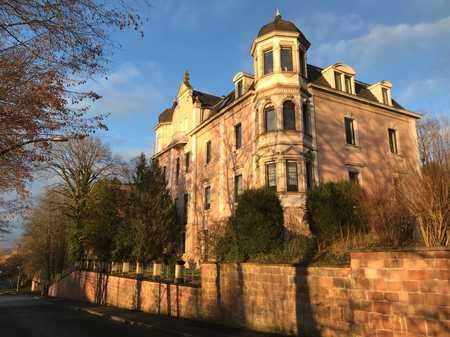 Wohnung in historischer Villa, barrierefrei mit Garten und Tiefgaragenstellplatz in Bad Kissingen
