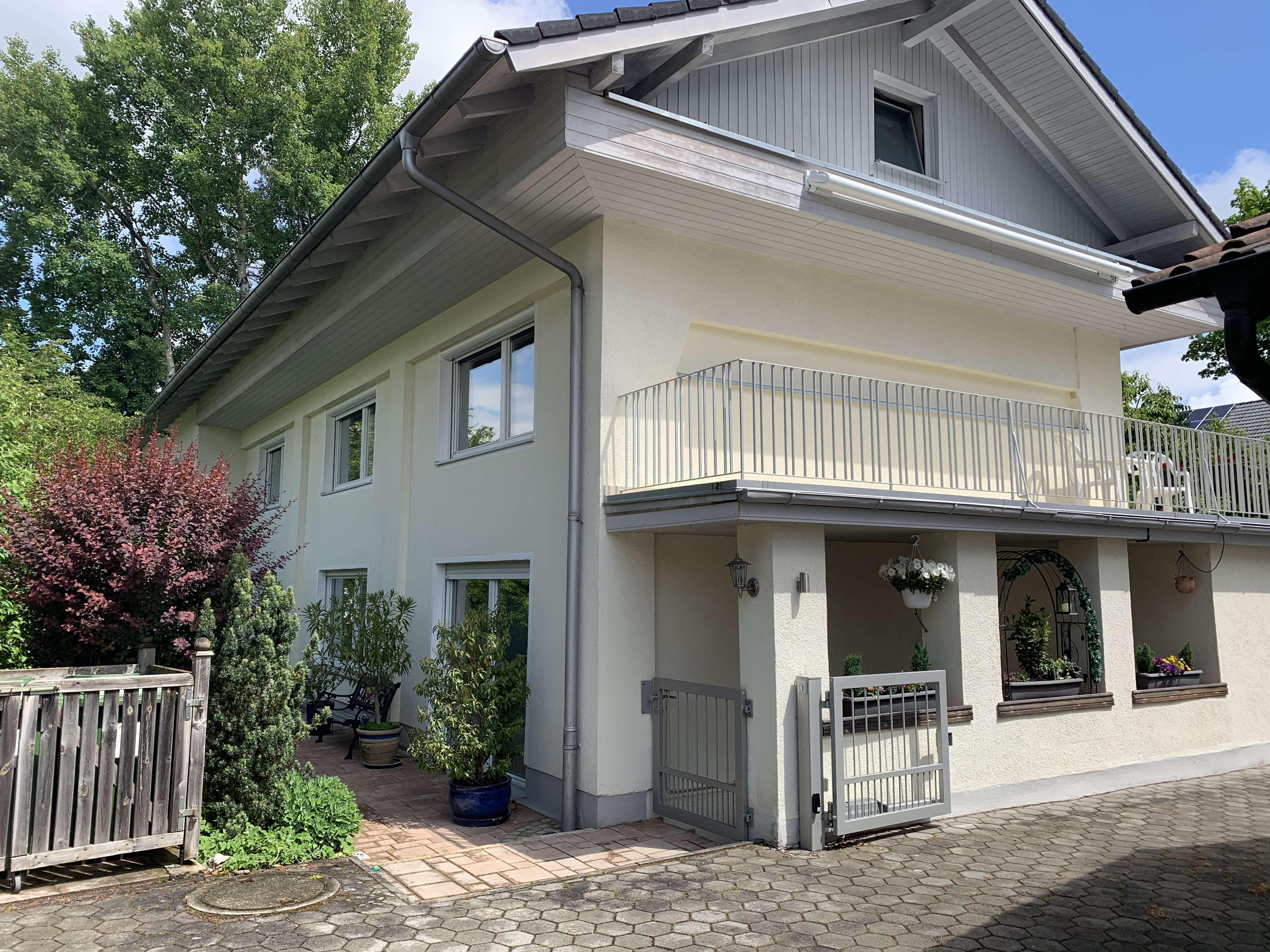 Ansprechende 5-Zimmer-Wohnung mit Balkon in Bad Tölz-Wolfratshausen (Kreis) in