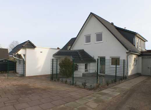 ERSTBEZUG NACH SANIERUNG: Moderne 2-Zimmer-Wohnung mit Dachterrasse in Schwarzenbek