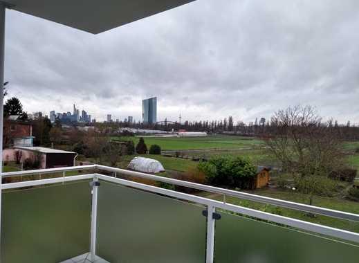 Möblierte, helle 2-Zimmerwohnung in Frankfurt-Oberrad mit Skyline Blick