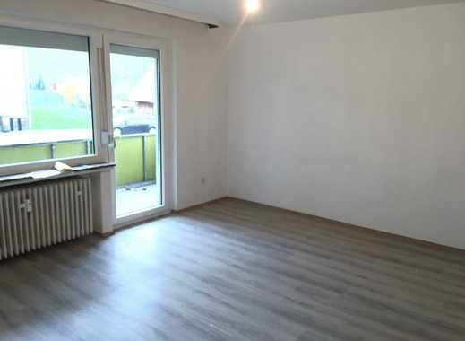 Erstbezug nach Sanierung mit Balkon: ansprechende 3-Zimmer-Erdgeschosswohnung in Bantorf