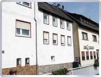 Lorchhausen Überwiegend modernisiertes Haus mit