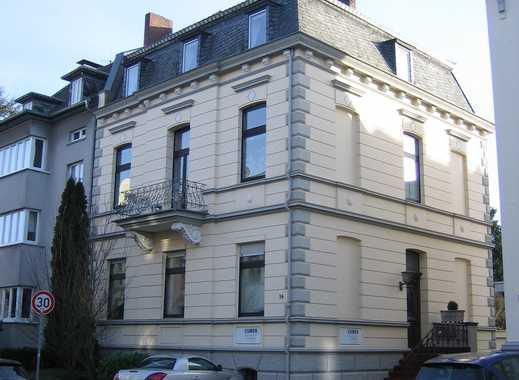 Dachgeschoss-Maisonette-Wohnung in einem gepflegten Gründerzeithaus in ruhiger und zentraler Lage