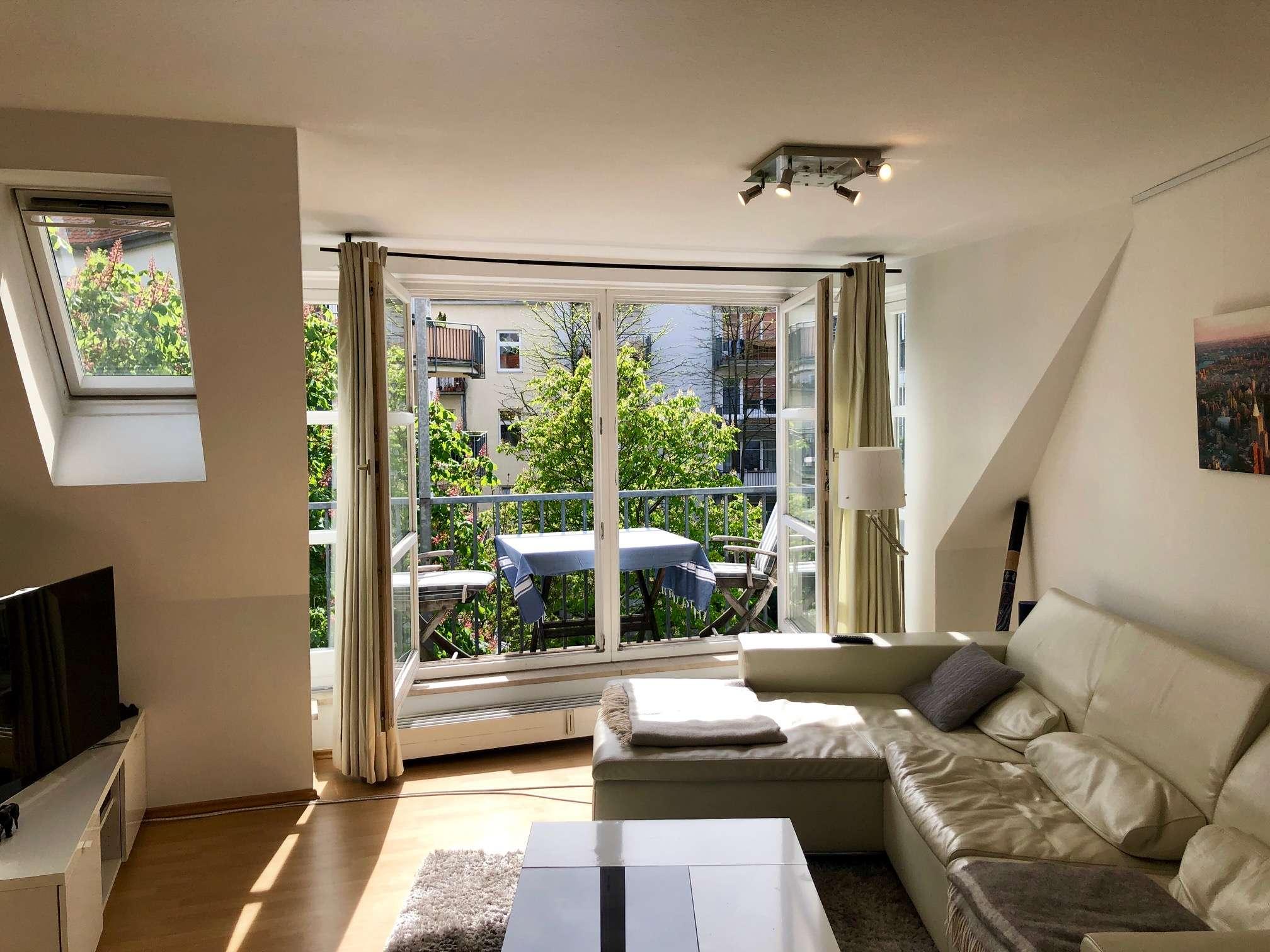 Exklusive 2-Zimmer-Maisonette-Wohnung im DG mit Balkon und EBK im Glockenbach, München
