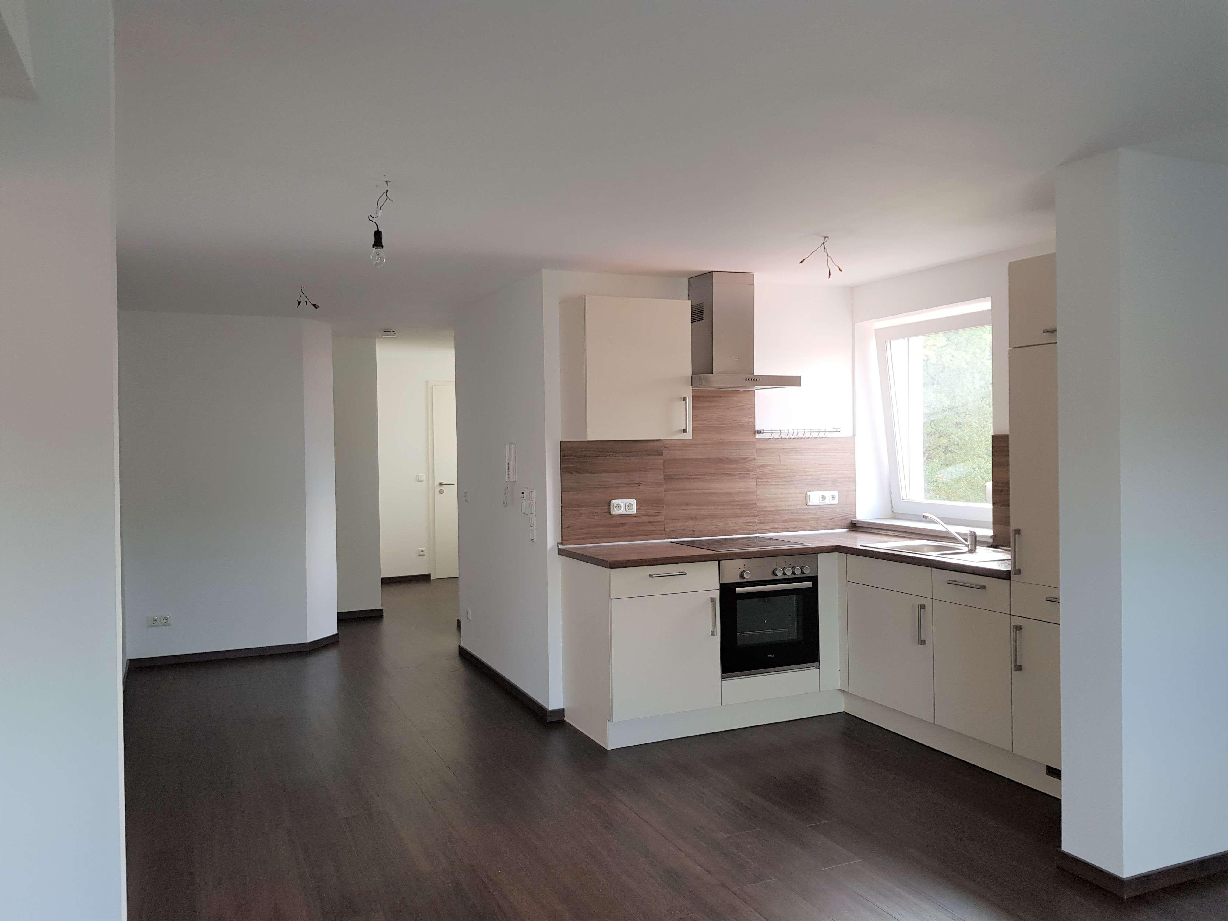 Helle 2-Zimmer Dachgeschosswohnung mit Einbauküche in Schrobenhausen