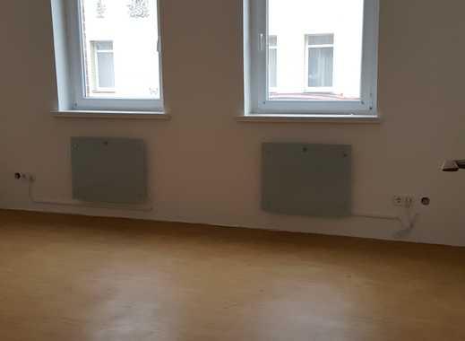 helle 1 Raumwohnung frisch renoviert