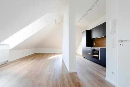 Großzügiges 1-Zimmer-Dachgeschossapartment mit hochwertiger Ausstattung in Geretsried