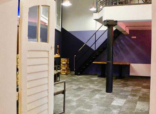 Moderner Shop mit Bistro im Baudenkmal