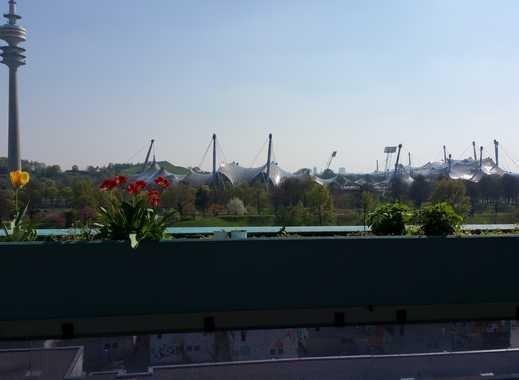 Exklusive, gepflegte, möblierte 3-Zi-Terrassenwohnung mit tollem Ausblick und U-Bahn Nähe