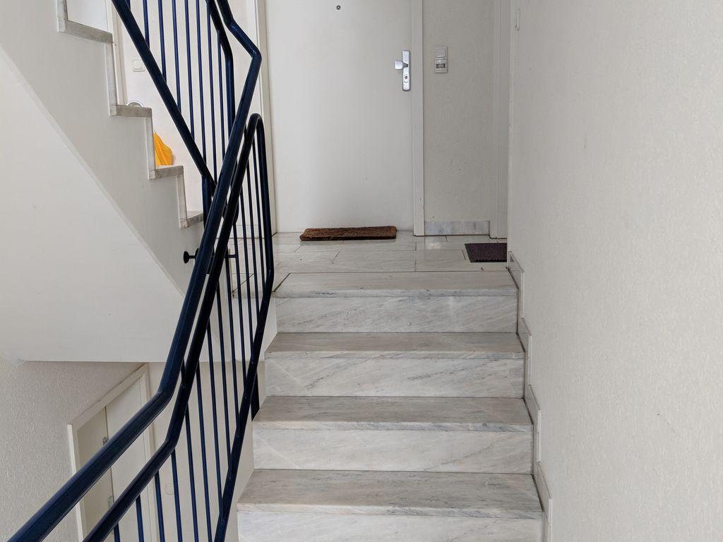 von privat sch ne 1 5 zimmer wohnung mit balkon und. Black Bedroom Furniture Sets. Home Design Ideas