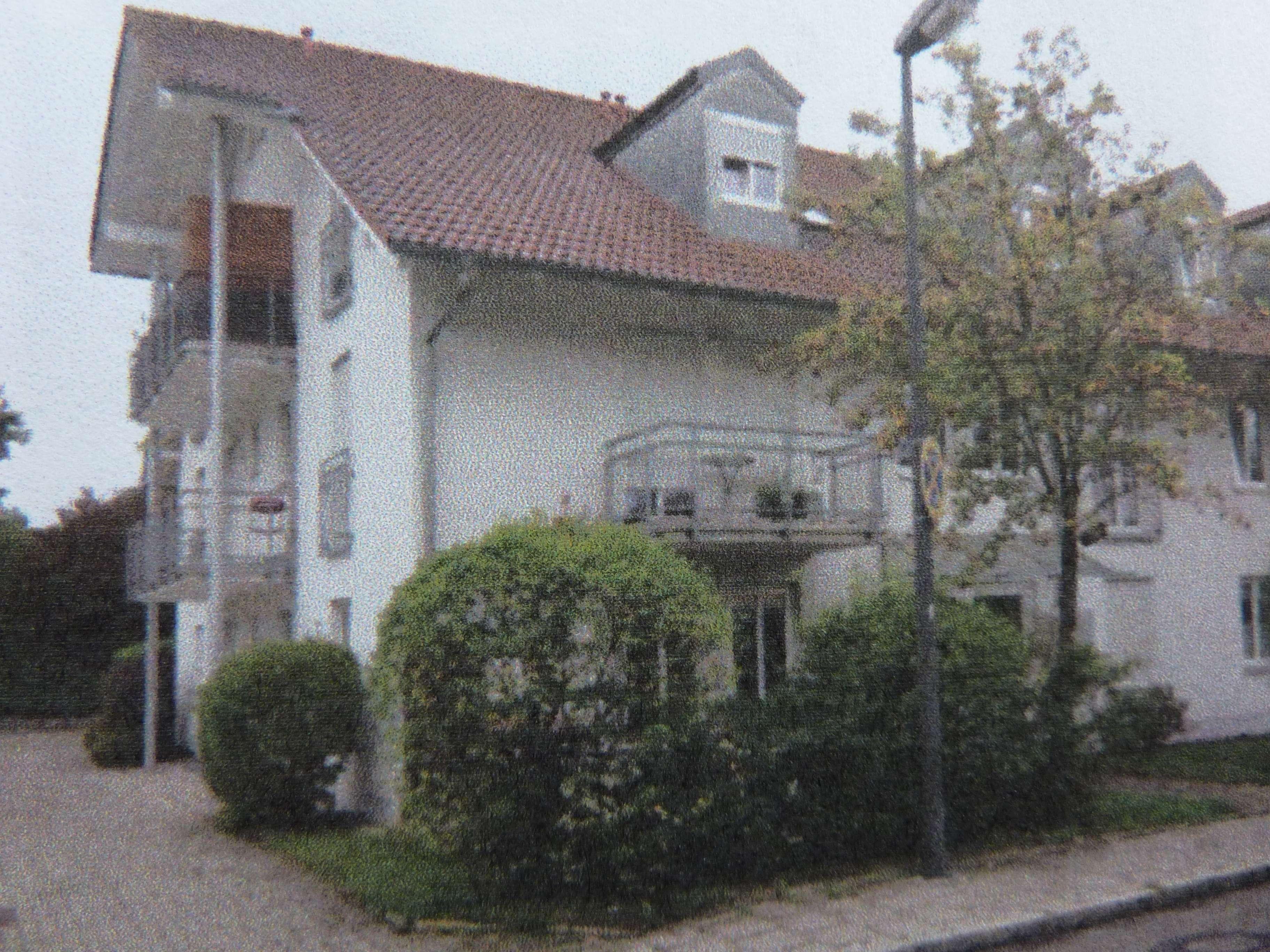 Nachmieter für großzügige Singelwohnung in netter Nachbarschaft gesucht in Germering (Fürstenfeldbruck)