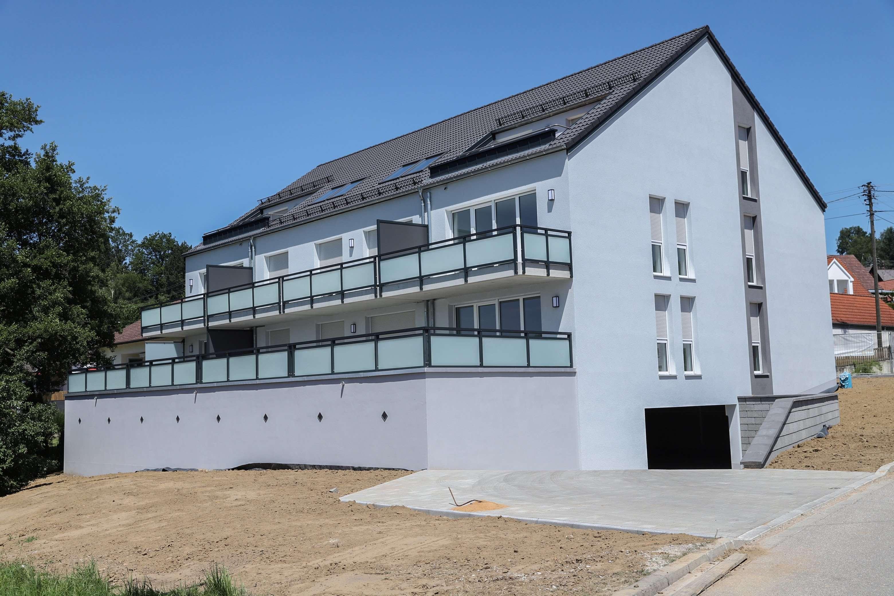 Erstbezug: attraktive 3-Zimmer-Erdgeschosswohnung mit Balkon in Welden