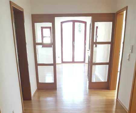 Schöne, geräumige drei Zimmer Wohnung in Schwandorf (Kreis), Schwandorf in Schwandorf
