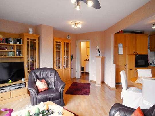 Moderne 3-Zim.-Wohnung mit PKW-Stellplatz und Garten - Bild 3