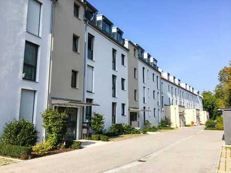 Moderne Wohnung mit drei Zimmern und schönem Balkon in Freising in Freising