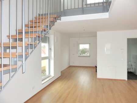 Helle 2 Zimmer Penthouse-Wohnung in KfW 70 Haus. in Markt Schwaben