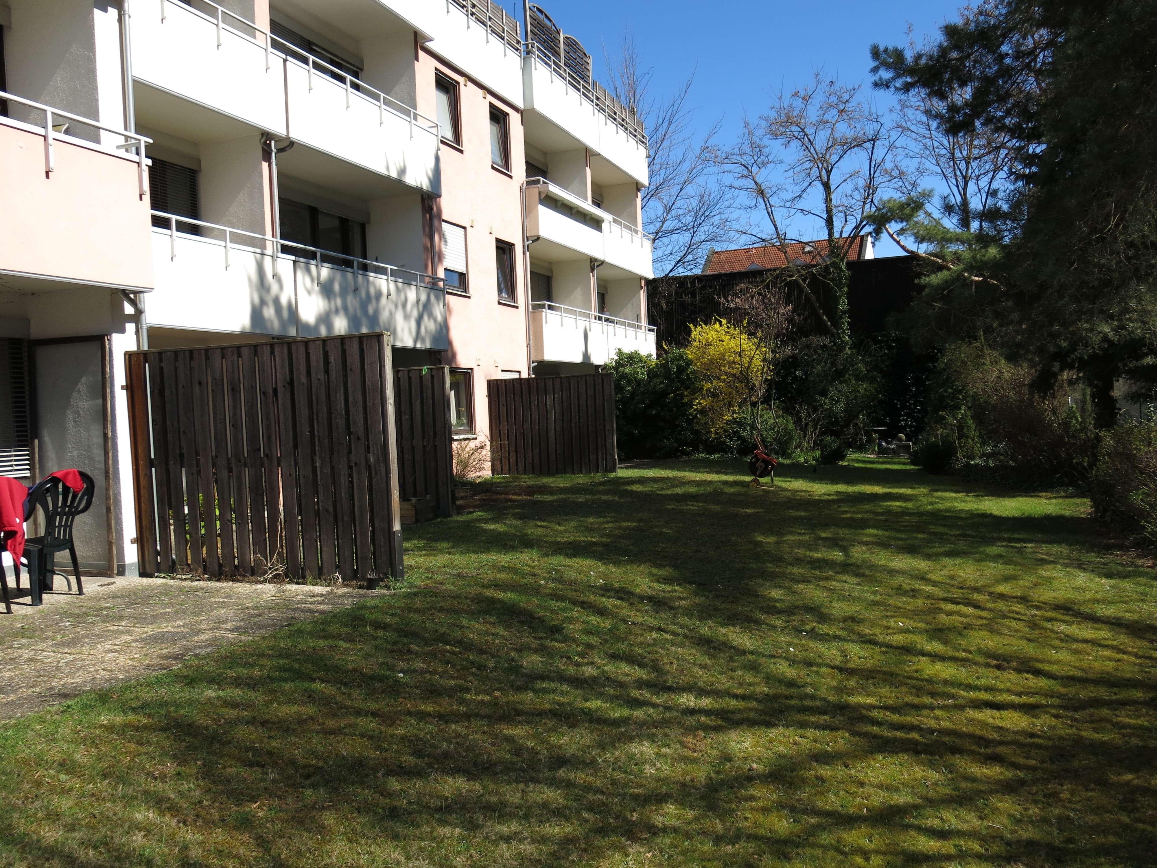 1 Zimmer Wohnung in zentraler Stadtlage mit Garten