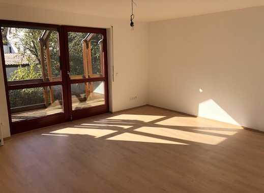 Helle, vollständig renovierte 2-Zimmer-Wohnung mit Balkon und Einbauküche in Stuttgart-Plieningen