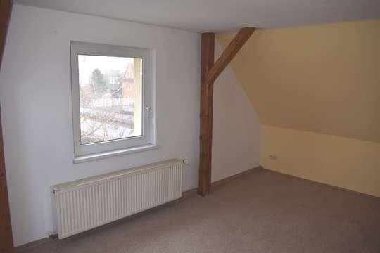 Schnäppchen im Frühjahr! Kleine Dachgeschosswohnung wird frei….