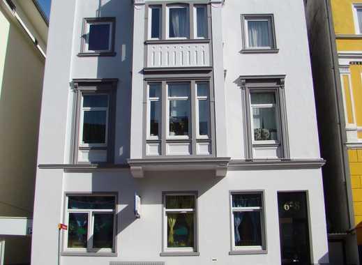 Zentrale 3-Zimmer Altbauwohnung (86 m²) (Provisionsfrei!)