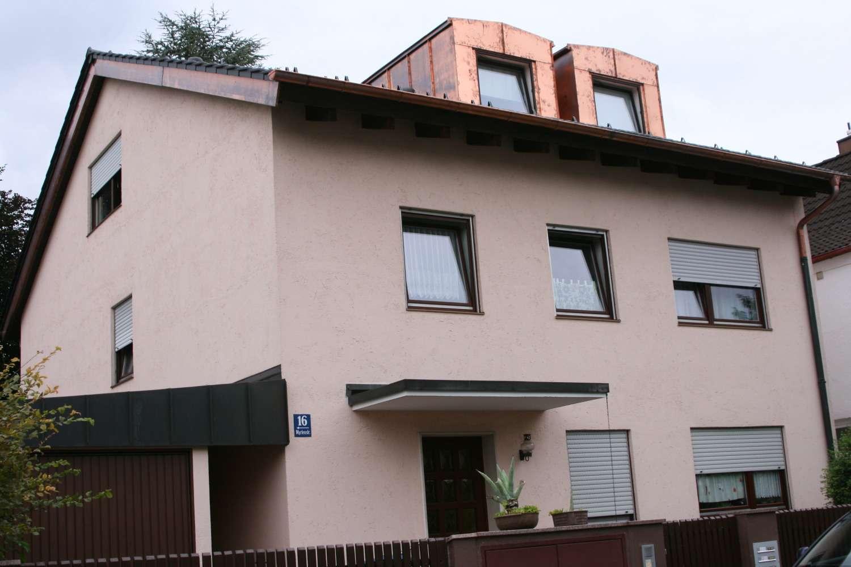 Schöne, ruhige 2-Zimmer-Dachgeschoßwohnung