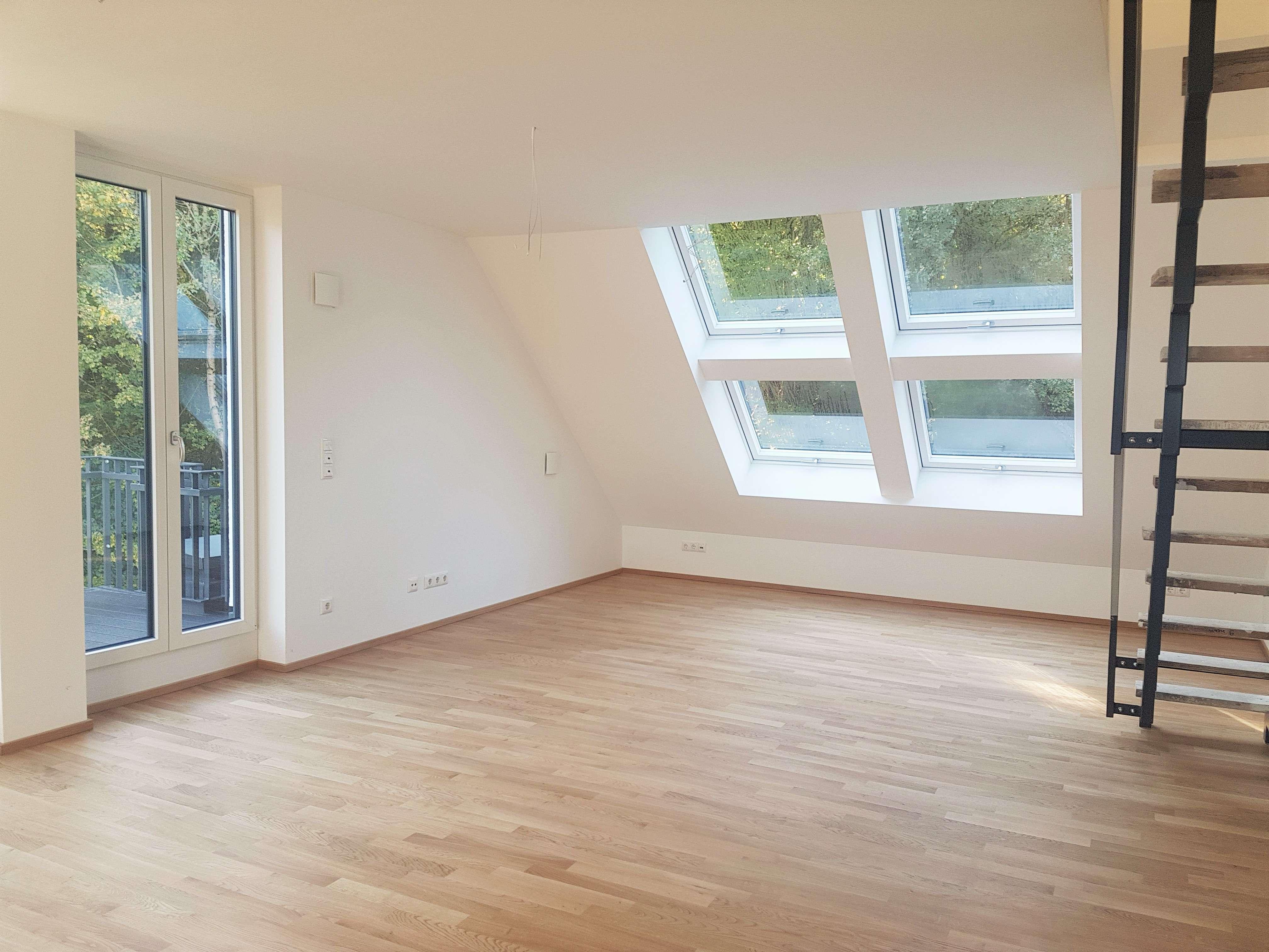 Hochwertige 2-Zimmer-Maisonettewohnung, teilmöbliert in Perlach (München)