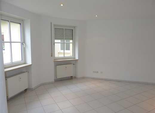 Tolle Wohnung mit Einbauküche und Balkon in tollem Haus und exklusiver Lage!!!