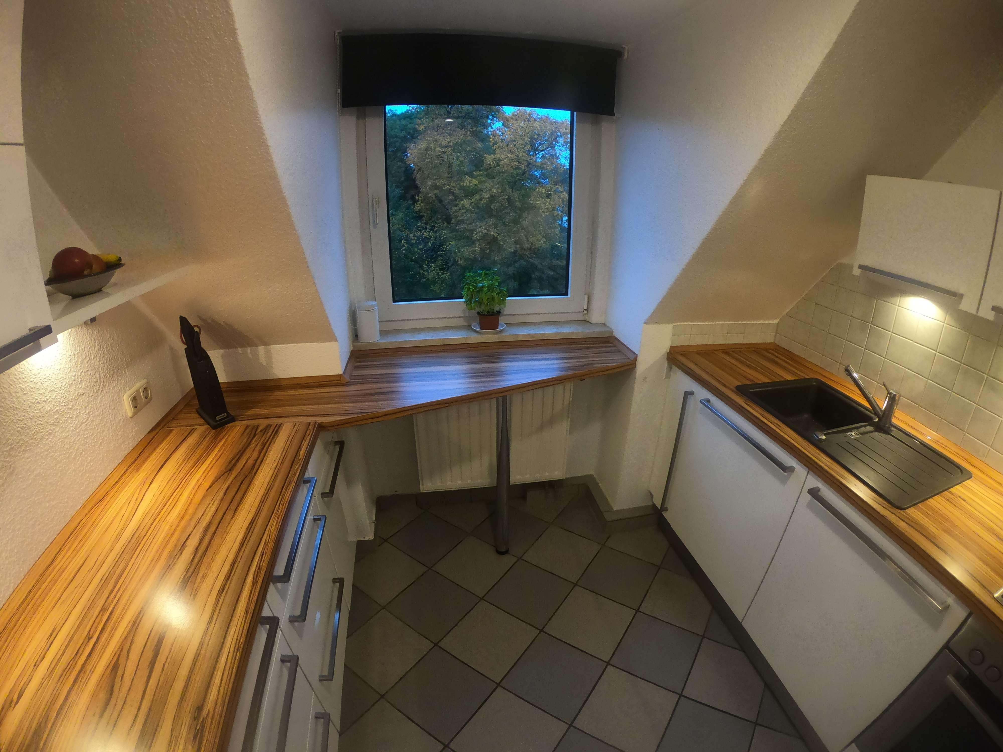 Tolle 3 Zimmer Wohnung mit hochwertiger EBK !! in
