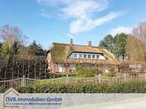 Charmantes Reetdachhaus im Landhausstil in