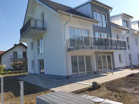 NEUBAU ERSTBEZUG !  großzügige 3-Zimmer-Maisonette-Wohnung mit Garten in Moosinning
