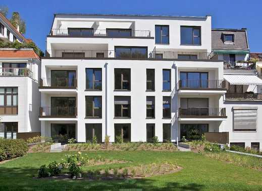 Neubau-Erstbezug: Helle Zwei-Zimmer-Wohnung mit zwei Balkonen und EBK