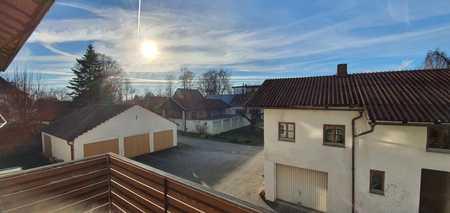 ... zentral gelegene 4,5-Zi.-Whg im DG in ruhigem Wohnhaus zwischen Stadtplatz und Bahnhof ... in Mühldorf am Inn