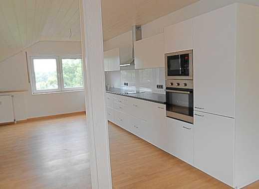 Außergewöhnliche Dachgeschosswohnung auf 136 m² mit offener Küche und Balkon!!!