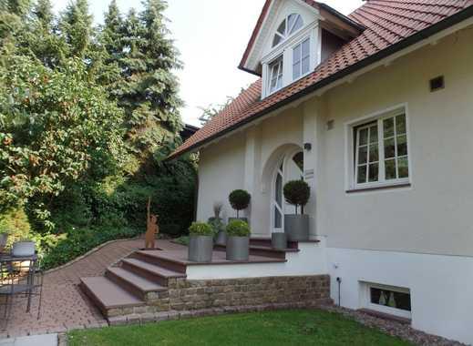 Hochwertig und modern: Großzügige Villa in sehr ruhiger Citylage