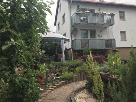 Sehr schöne 5-Zimmer-Wohnung über 2 Etagen m. Balkon/Garten  - 1.OG + DG in Aurachtal