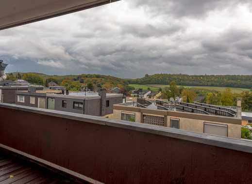 Großzügig geschnittene 100qm-3-Zimmer-Wohnung mit Fernblick Terrasse.