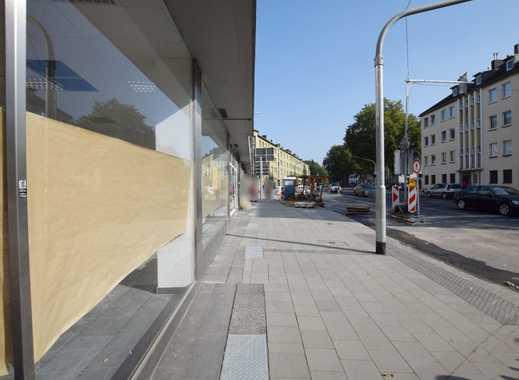 Eckladenlokal im Zentrum von Mönchengladbach-Rheydt mit großer Fensterfront
