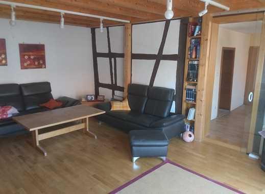 Geräumige Helle 6 Zimmer Wohnung in altem Bauernhof, EBK, 2 Bäder, Gartenmitbenutzung