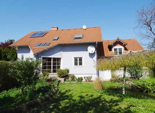 Ein bisschen Platz muss sein…! EFH mit ca. 220 m² Wfl., 2 Garagen, ca. 1100 m² Südgrundstück!